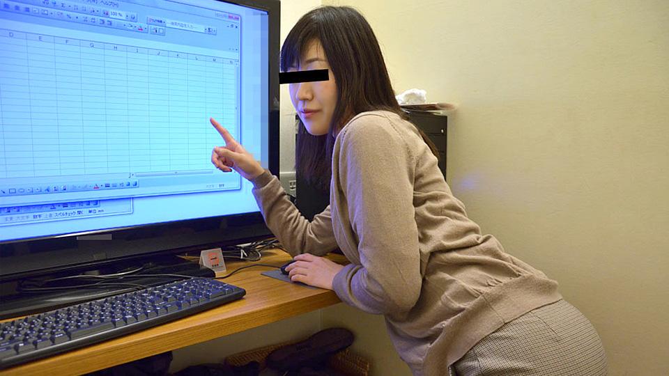 設定方法の分からなくなっちゃった美人パソコン講師が罪悪感を感じて中出しまでさせてくれました 五十嵐さとみ