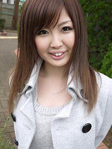 西野紗江 おじさんの部屋でかわいい女の子とエッチ