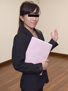 伊藤りさ 不動産屋勤務の私がカラダ張って契約をとってます