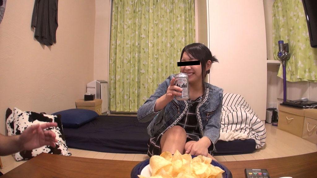 戸田くれあ:友達の彼女を騙してハメちゃいました【天然むすめ】
