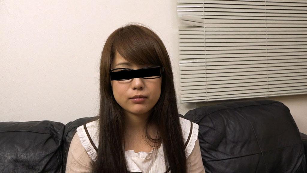 中野ゆう:メイドカフェで勤務しているメガネ娘を騙してハメちゃいました【天然むすめ】