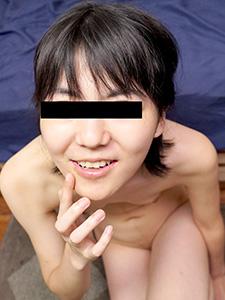 フェラ抜きで顔射された精液を自ら集めて一滴残らず味わう素人娘