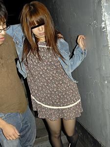 階段の踊り場でみつけた娘〜お持ち帰りでハメ三昧!〜