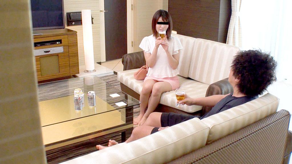 沢田ユカリ:彼氏の友達にハメられちゃった【10musume】