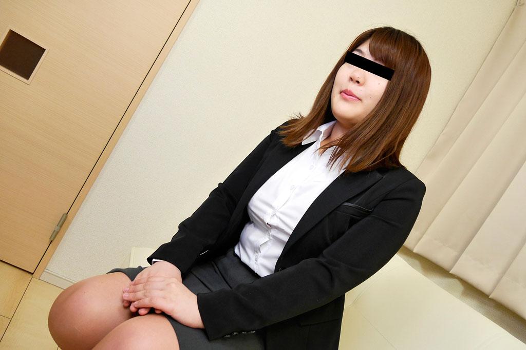 早川夏美:素人AV面接 〜おねがいします、ココしかないんですぅ〜【10musume】