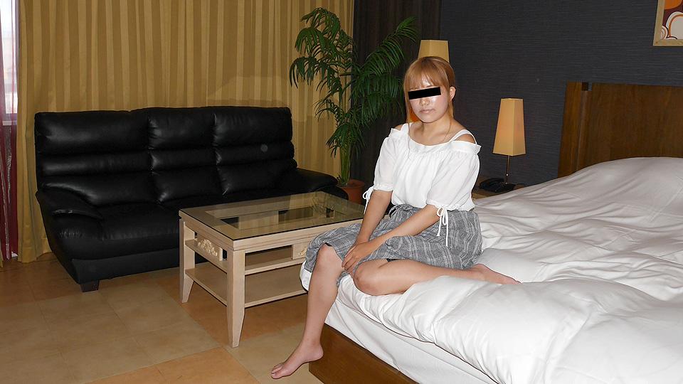 山田梨子 服装店员挑战第一次AV拍摄